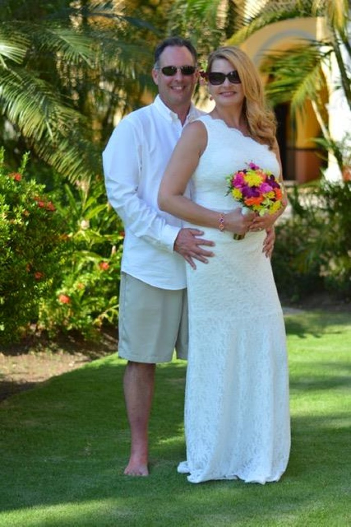 Congratulations Amy and Chris! Amy Pertschi, Vice President of Commercial Lines here at Gallen Insurance recently headed off to Jamaica to get married!